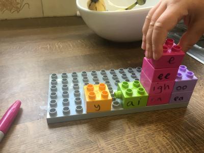 lego phonics activities sort-them-into-colours